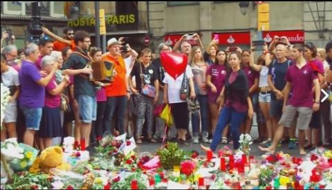 Homenatge a les víctimes de l'atemptat de Barcelona